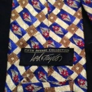 LORD & TAYLOR TIE - NEW!